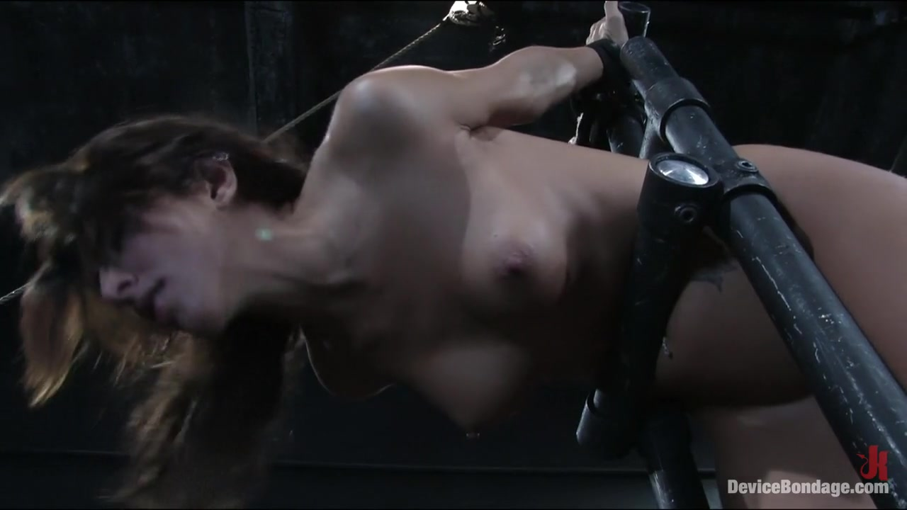 Big naked musclemen free Hot Nude