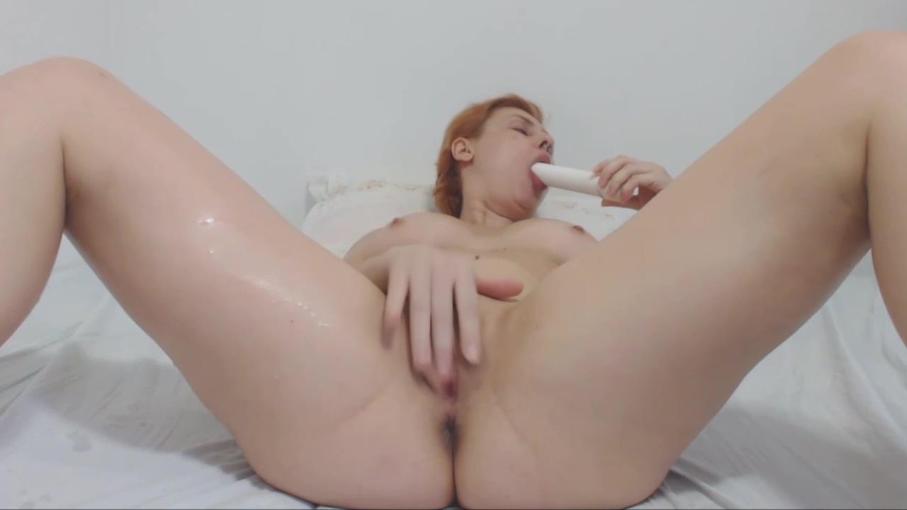 Emme White Chuva Dourada (Golden Shower) Banho Masturba&ccedil_&atilde_o Vaginal Dildo Grande Oily interracial